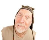 Homme aîné dans le capuchon de knit Photographie stock
