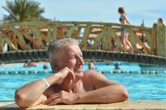 Homme aîné heureux Photos stock