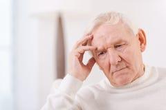 Homme aîné inquiété Images libres de droits