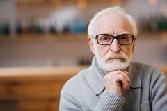 Homme aîné pensif Images libres de droits