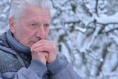 Homme aîné pensif Image libre de droits