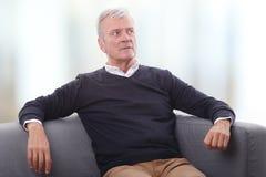 Homme aîné Relaxed Photographie stock libre de droits
