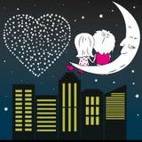 Homme affectueux et femme de couples s'asseyant sur la lune pendant la nuit Photos stock