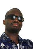 Homme afro-américain avec des lunettes de soleil Photographie stock libre de droits