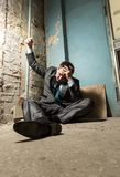Homme arrêté avec la main menottée Image libre de droits