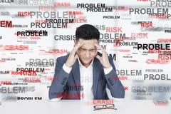 Homme asiatique soumis à une contrainte, problème Photographie stock libre de droits
