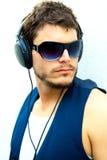 homme attirant d'écouteurs Photo libre de droits