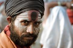 Homme avec des couleurs dans le Bengale-Occidental Photographie stock libre de droits