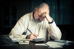 Homme avec des finances Image libre de droits