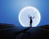 Homme avec des mains vers le haut Images libres de droits