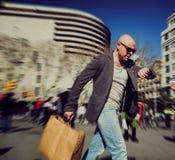 Homme avec des paniers Photographie stock libre de droits