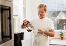 Homme avec du café Images libres de droits