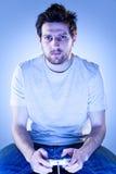 Homme avec Gamepad Photo stock