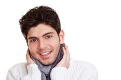 Homme avec l'écharpe en hiver photographie stock libre de droits