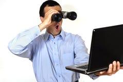 Homme avec l'ordinateur portable Images stock