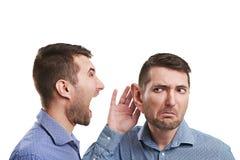 Homme avec la grande écoute d'oreille Image libre de droits