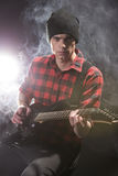 Homme avec la guitare Photos stock