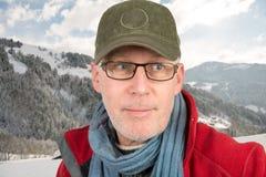 Homme avec le chapeau et les verres Image stock