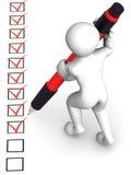 Homme avec le crayon lecteur et le questionnaire Image libre de droits