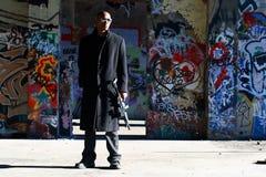 Homme avec le fusil d'assaut Photographie stock libre de droits