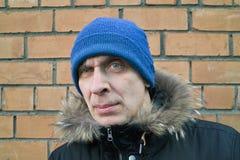 Homme avec le regard fixe intense Photographie stock libre de droits