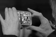 Homme avec le téléphone Photos stock