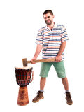 Homme avec un marteau Images stock