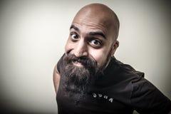 Homme barbu drôle de sourire Image libre de droits