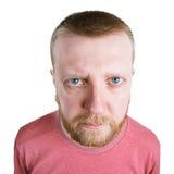 Homme barbu regardant directement dans l'appareil-photo image libre de droits