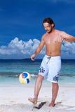 Homme bel chez les Maldives Photos stock