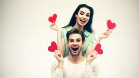 Homme bel et jolie fille dans l'amour Concept romantique de sentiments Jour et amour de valentines Couples d'homme et de femme da clips vidéos