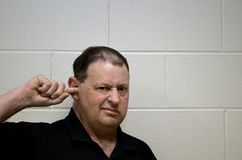Homme démangeant photos libres de droits