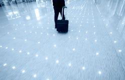 Homme d'affaires à l'aéroport Images libres de droits