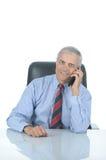 Homme d'affaires âgé moyen avec le téléphone portable Images stock