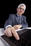Homme d'affaires aîné au bureau Image stock
