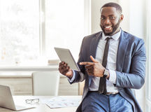 Homme d'affaires afro-américain bel photos stock