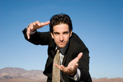 Homme d'affaires agressif image stock