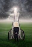 Homme d'affaires anonyme sur l'escalier de l'occasion 3 Image libre de droits