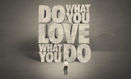 Homme d'affaires avec amour ce qui vous faites le conseil Image stock