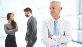 Homme d'affaires avec des collègues Image libre de droits