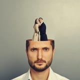 Homme d'affaires avec des couples dans l'amour Photo libre de droits