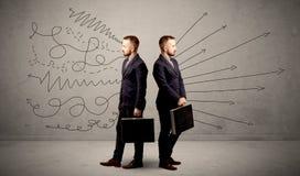 Homme d'affaires avec deux choix photos libres de droits