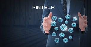 Homme d'affaires avec la paume de mains ouverte et Fintech avec de diverses icônes d'affaires Photo stock