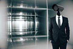 Homme d'affaires avec la tête d'appareil-photo de télévision en circuit fermé illustration stock