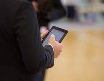 Homme d'affaires avec la tablette Photos stock