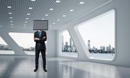 Homme d'affaires avec la TV au lieu de la tête Images stock