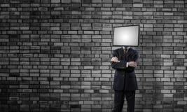 Homme d'affaires avec la TV au lieu de la tête images libres de droits