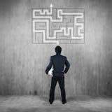 Homme d'affaires avec le labyrinthe, concept d'affaires Photos libres de droits