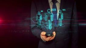 Homme d'affaires avec le smartphone et le concept de marquage social d'hologramme de signe illustration libre de droits
