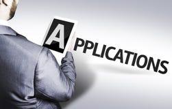 Homme d'affaires avec les applications des textes dans une image de concept photos libres de droits